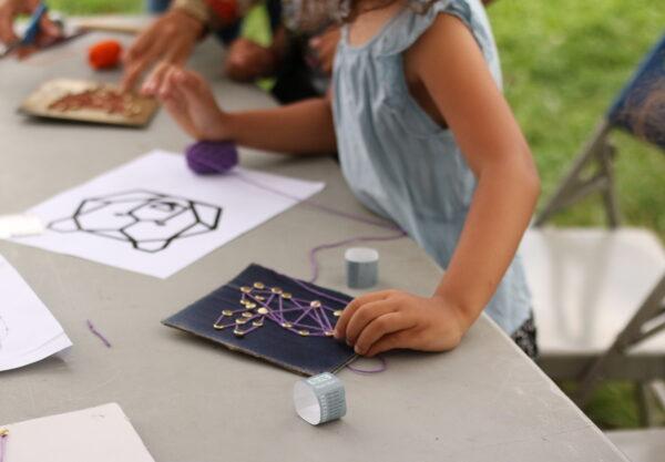 Activités créatives pour les enfants : dessin au fil
