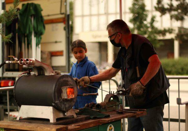 découverte de la métallurgie pour les enfants avec Gabriel Goerger